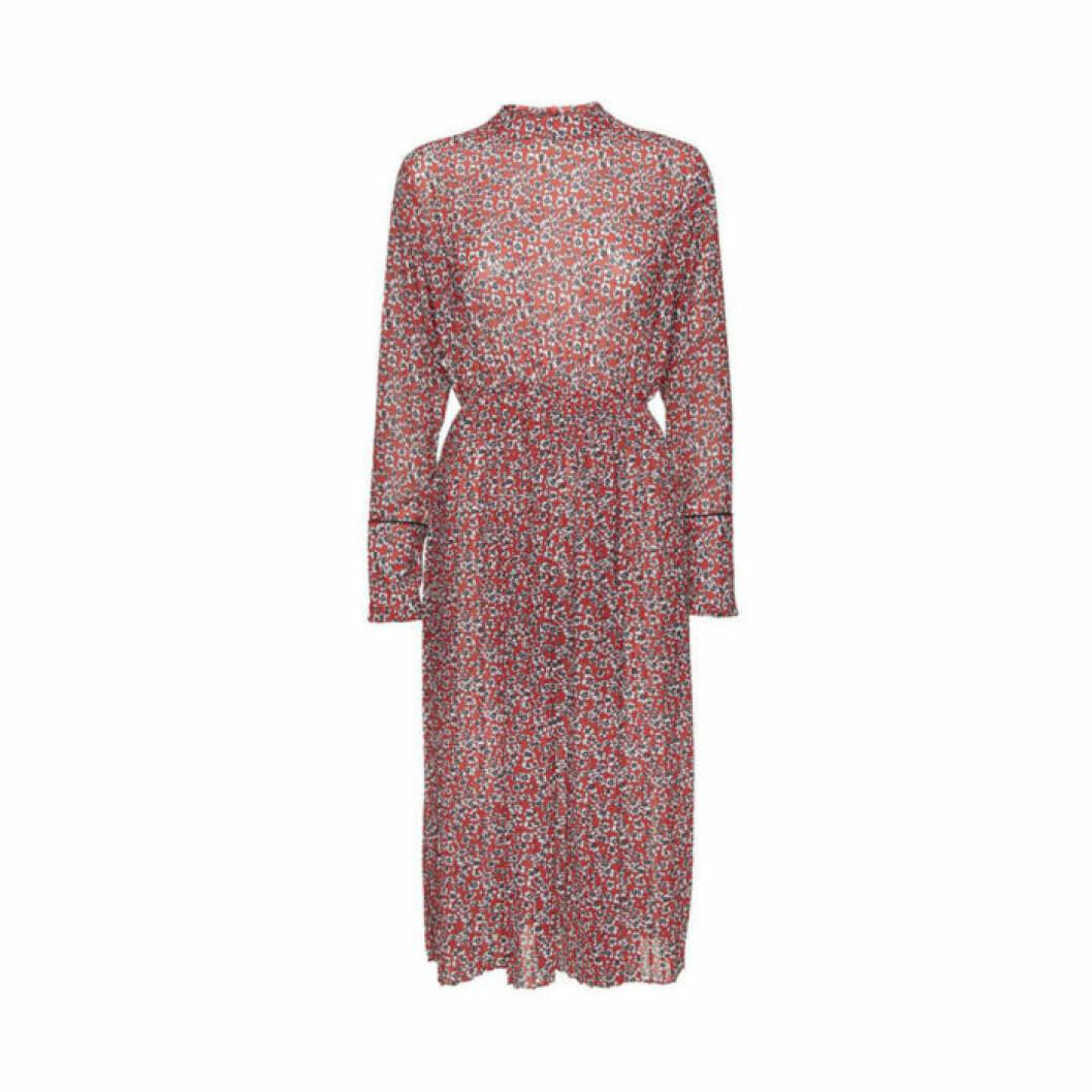 Prickig klänning från Norr