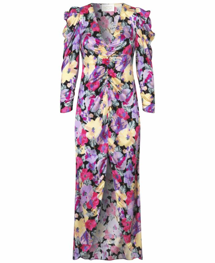 Vacker blommig klänning från Notes du Nord
