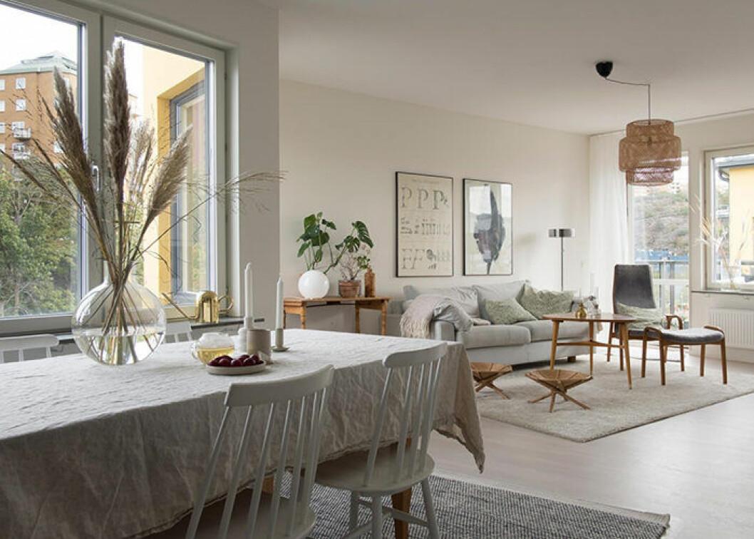 Mysig inredning med både gammalt och nytt i den moderna bostaden
