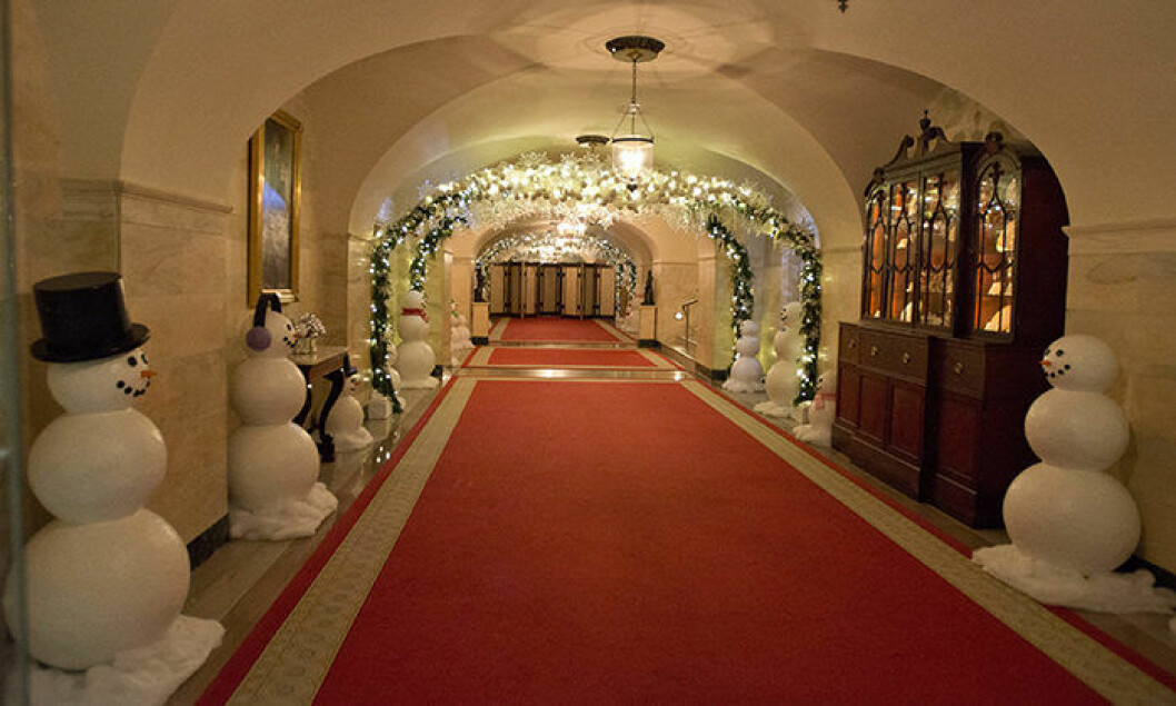 "The 2016 White House Christmas decorations are previewed for the press at the White House in Washington, DC on Tuesday, November 29, 2016. Pictured are the decorations in the Lower Cross Hall / Ground Floor Corridor. The first lady's office released the following statement to describe those decorations, ""This year∑s holiday theme, 'The Gift of the Holidays,' reflects on not only the joy of giving and receiving, but also the true gifts of life, such as service, friends and family, education, and good health, as we celebrate the holiday season."" Credit: Ron Sachs / CNP - NO WIRE SERVICE - Photo: Ron Sachs/Consolidated/dpa (c) DPA / IBL BildbyrÂ"