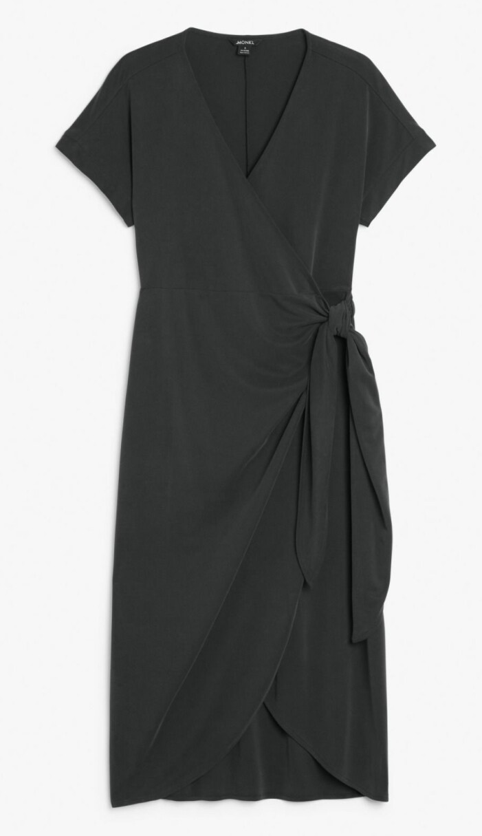 Omlottklänning från Monki