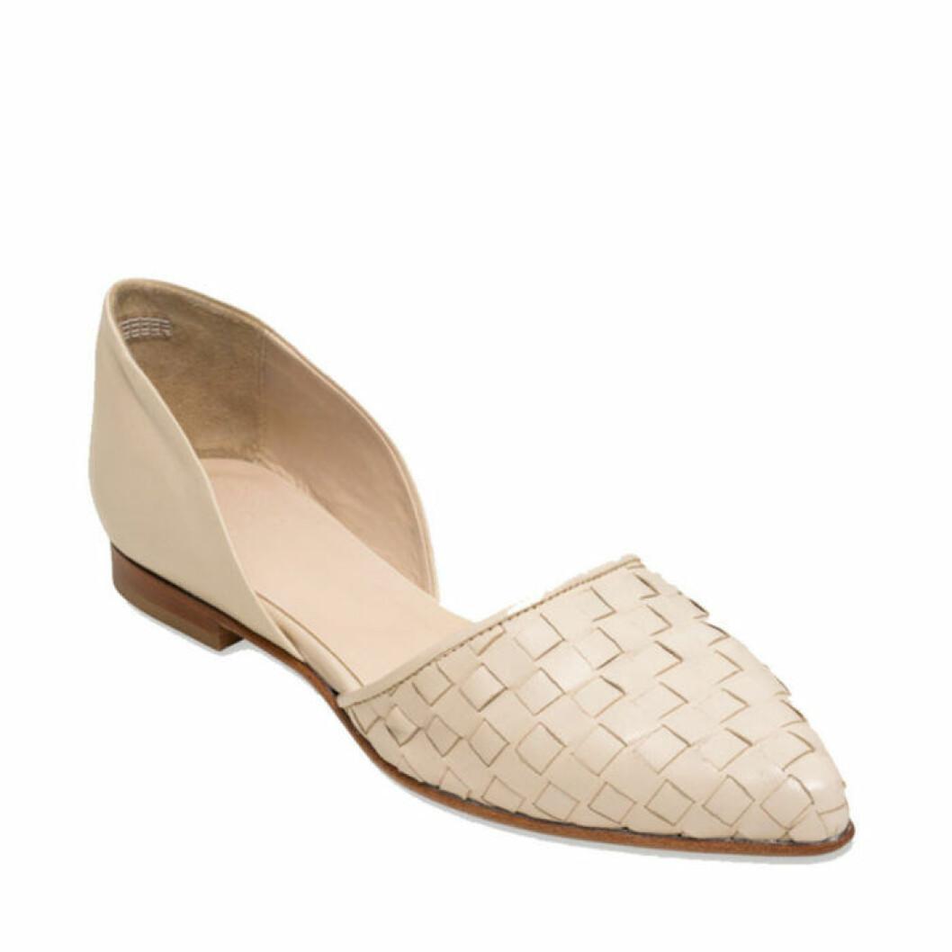 Sandal med platt klack