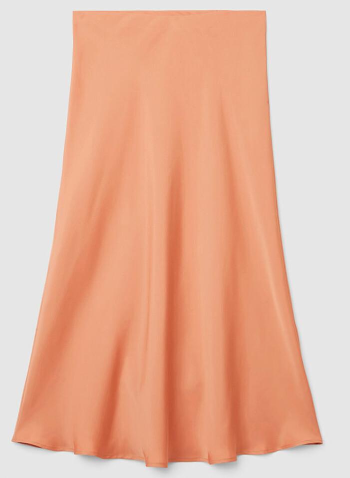 soraya lavasani orange kjol TV4 nyhetsmorgon