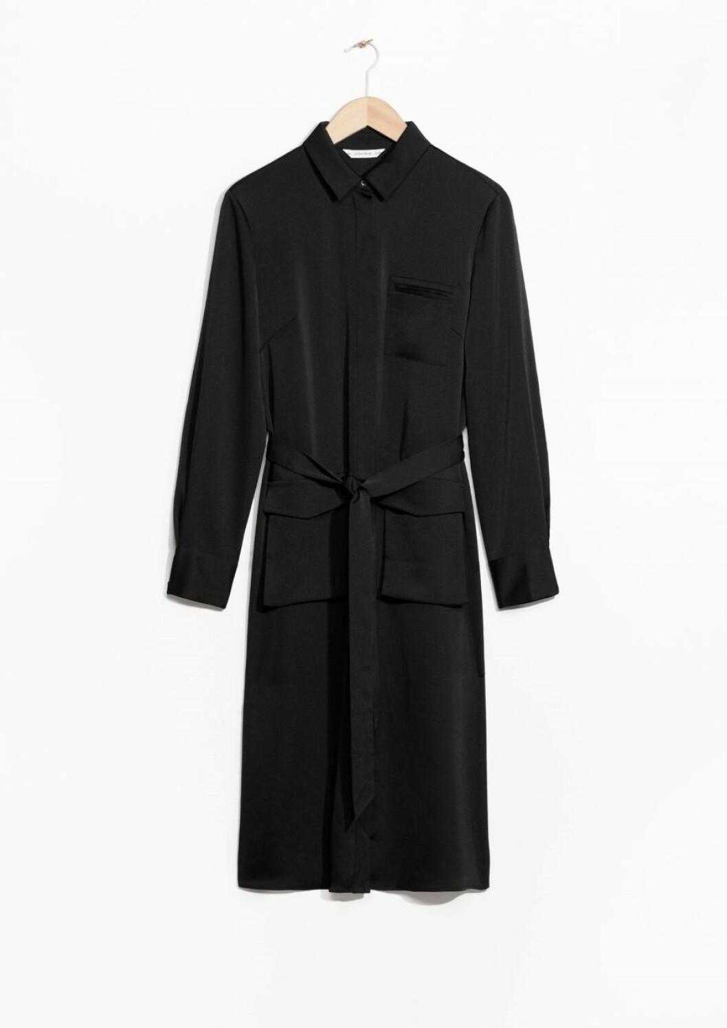 svart-klänning-&otherstories