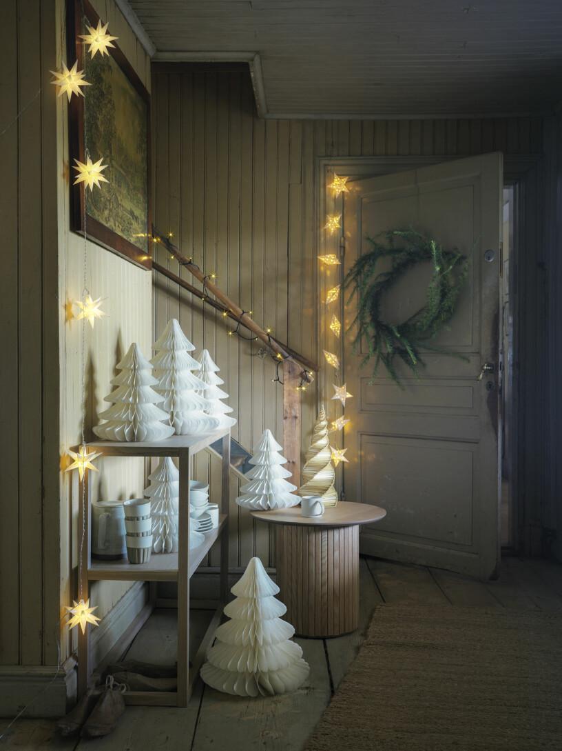 pappersgranar och ljusslingor från åhléns