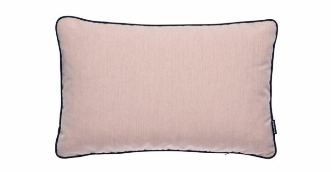 Trendigt pastellrosa kuddfodral för utomhusbruk