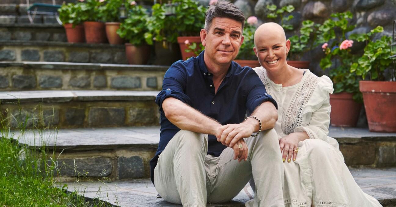 Patrick och Hannah Ekwall hemma i trädgården