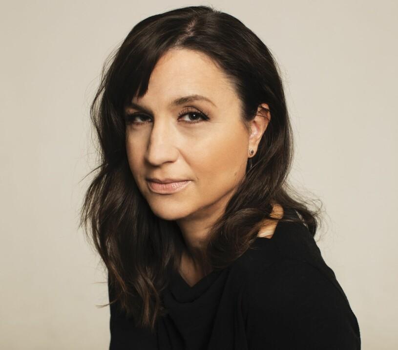 Petra Mede debuterar som författare