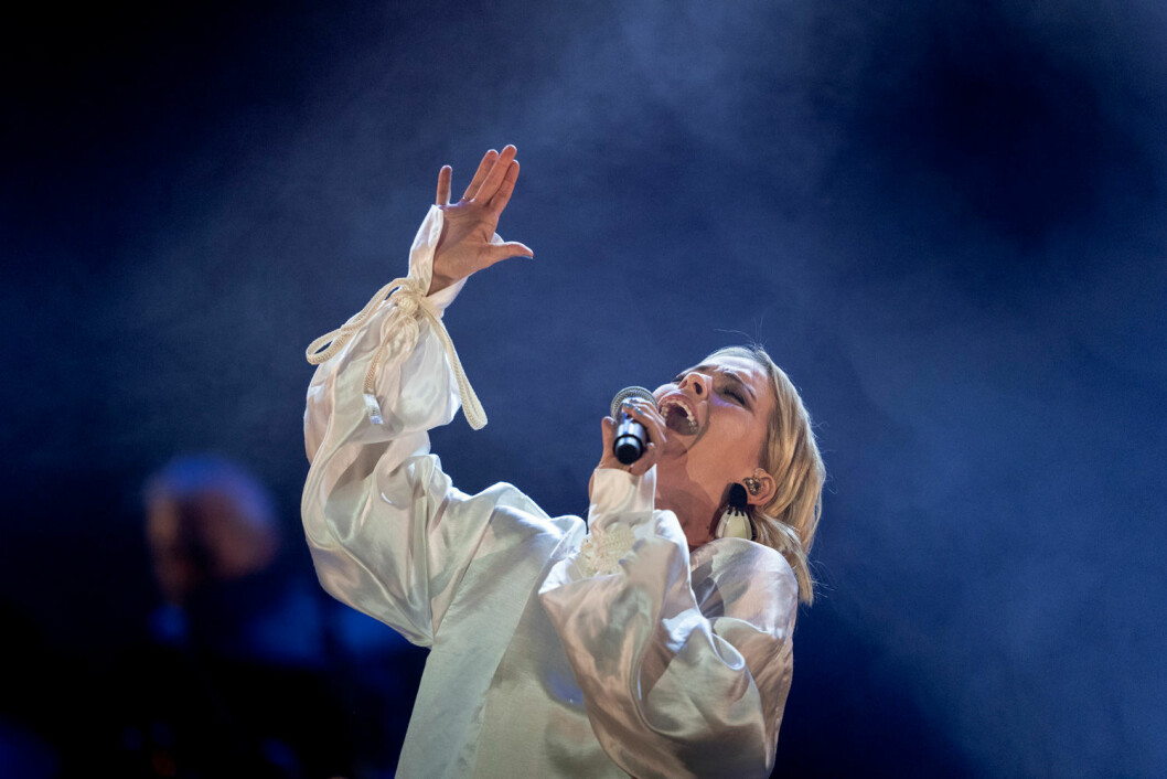 Petra Marklund på hyllningskonserten för Marie Fredriksson