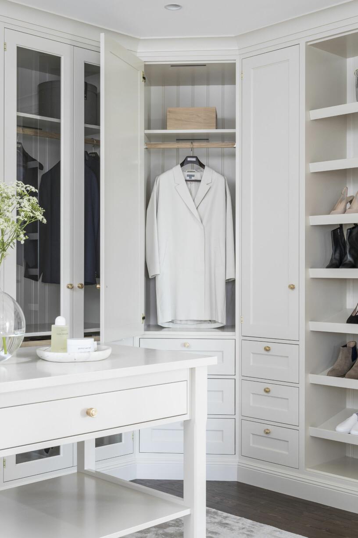 ljus garderob i lantlig stil från kvänum