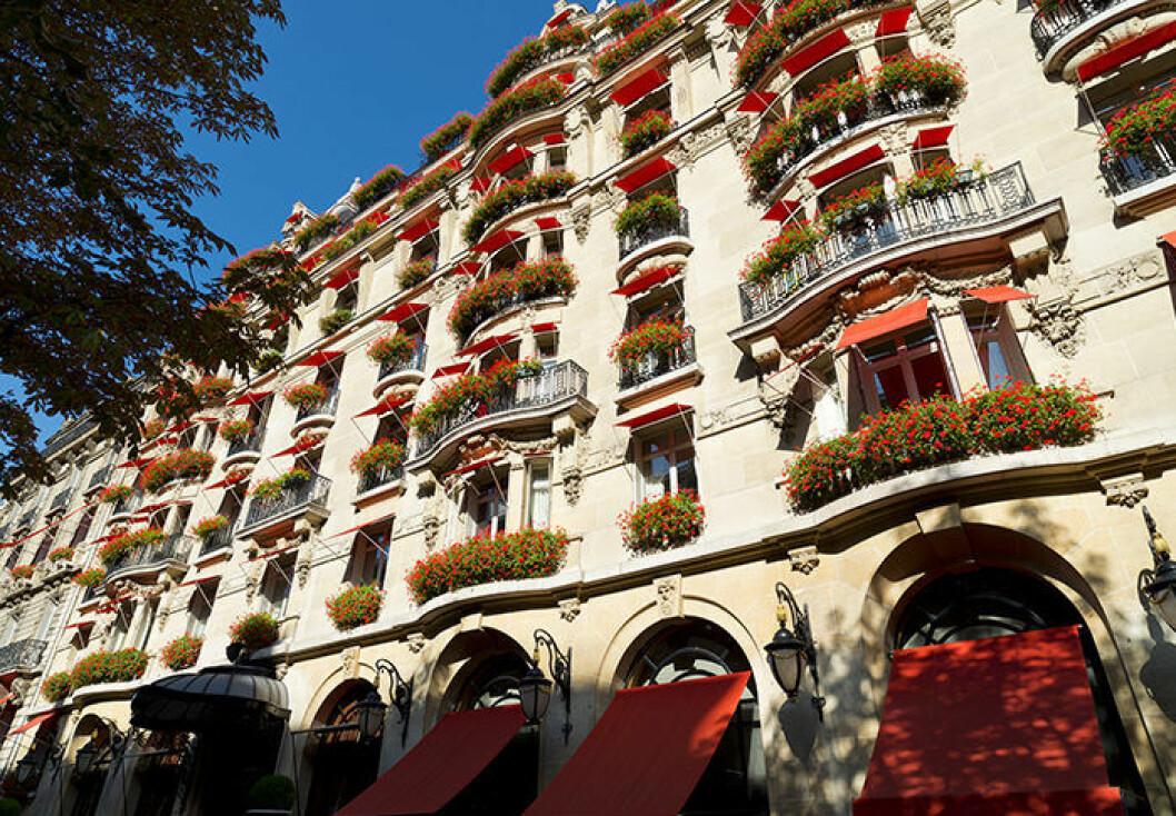 Hôtel Plaza Athénée är ett välkänt hotell i Paris
