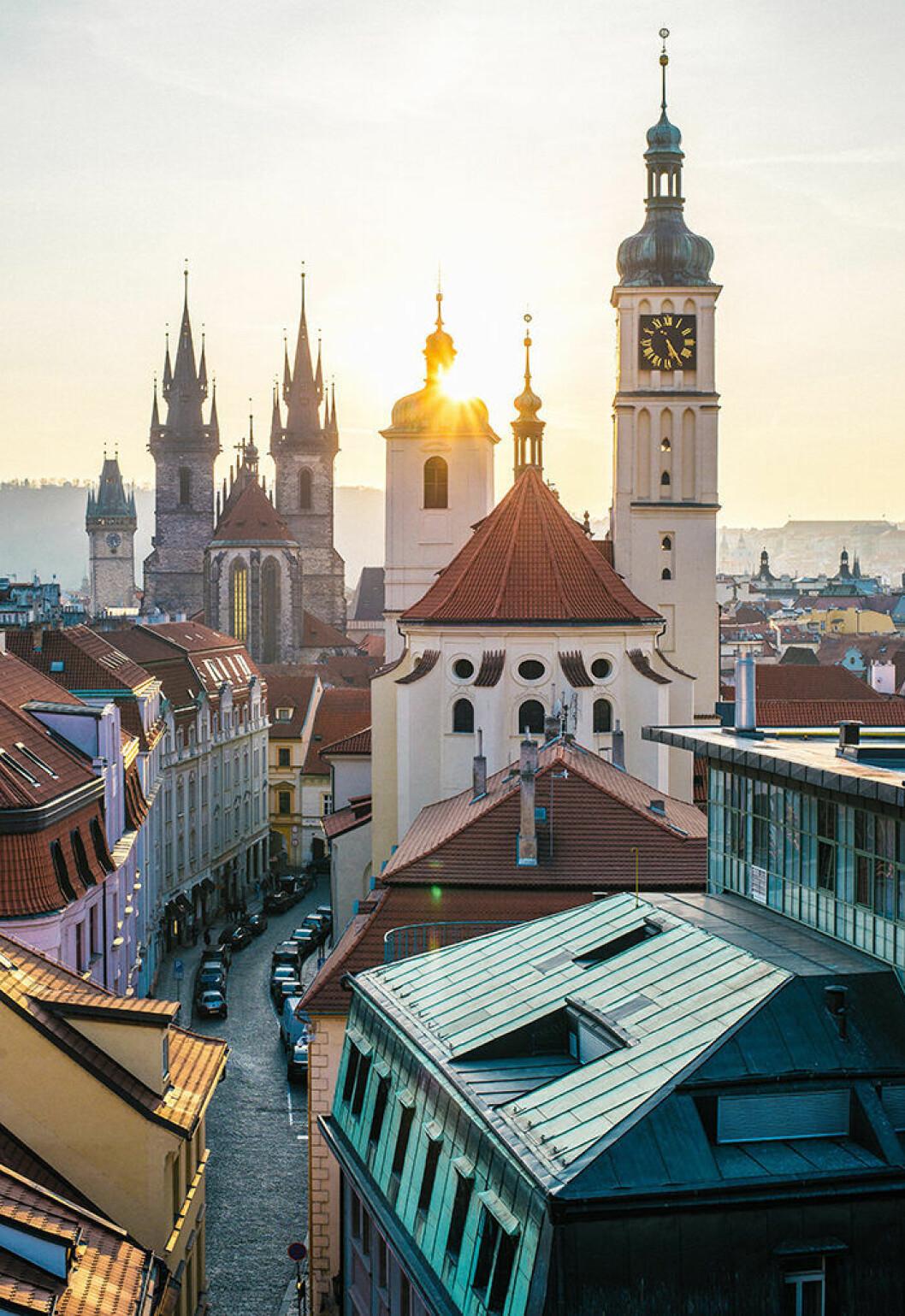 Åk till Prag med tåg