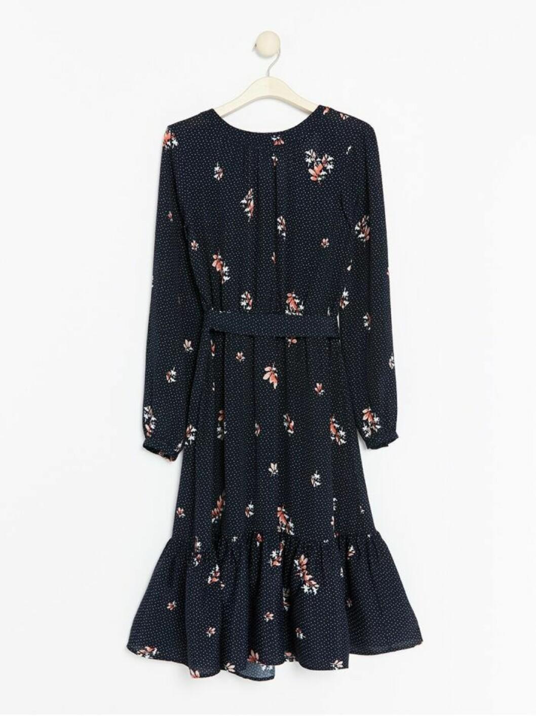 Prickig klänning från Lindex