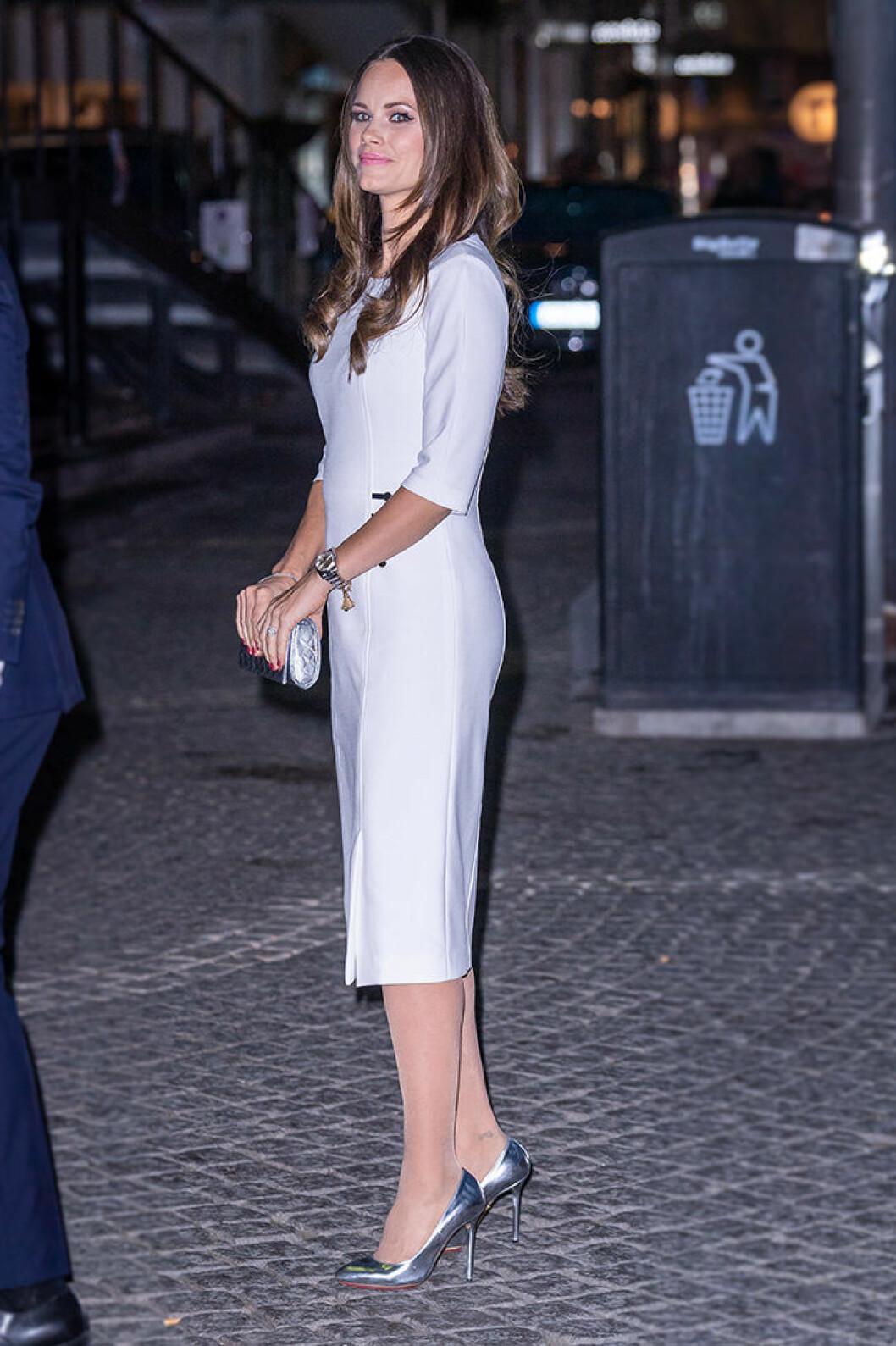 prinsessan sofia klänning hugo boss
