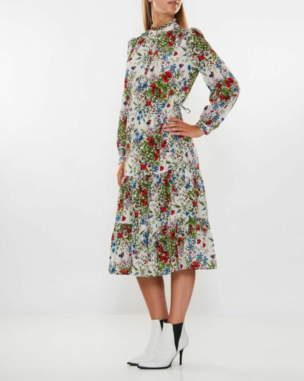 Blommig klänning från Heartmade by Julie Fagerholt