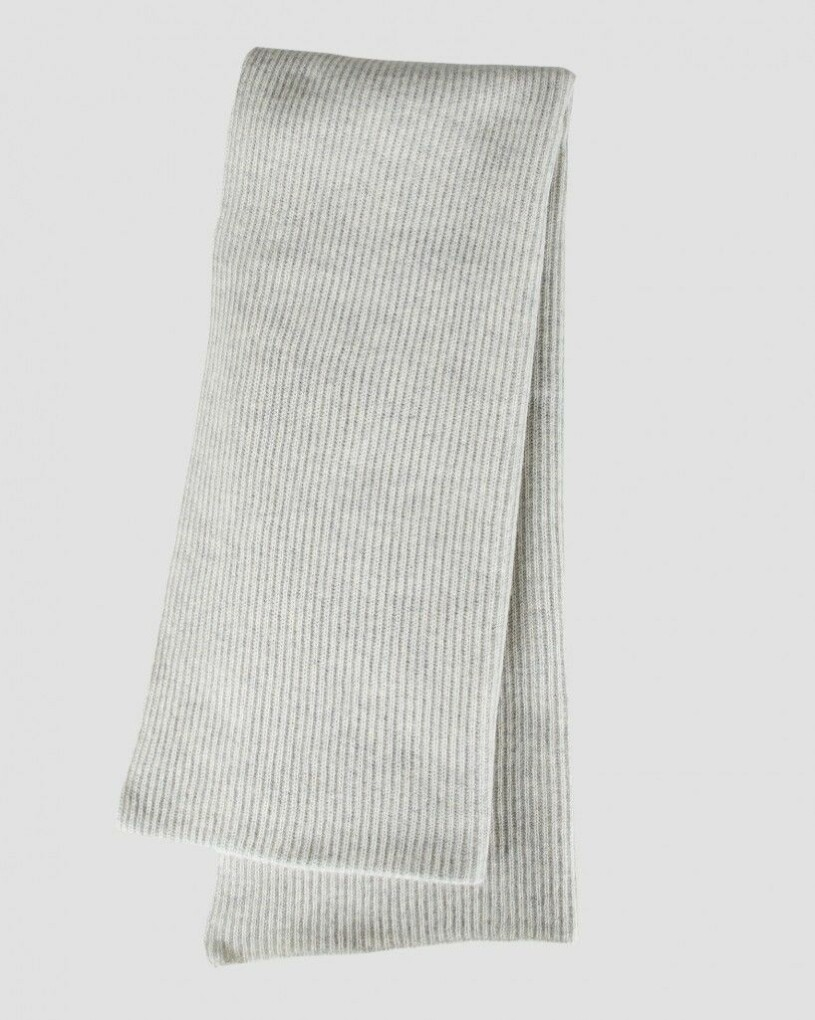 grå halsduk