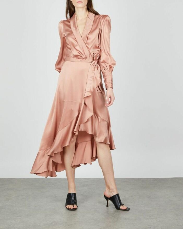 silkesklänning