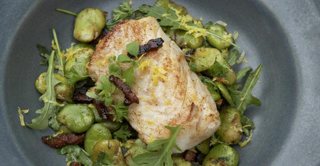 stekt fisk med bönor