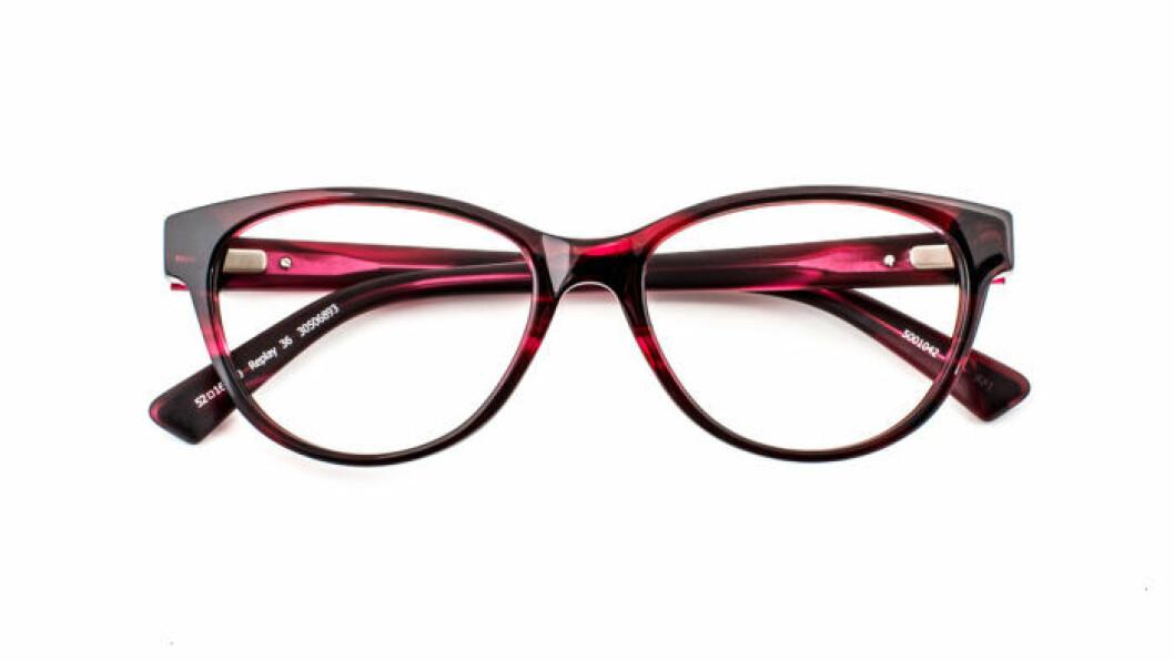 röda-glasögonbågar-replay