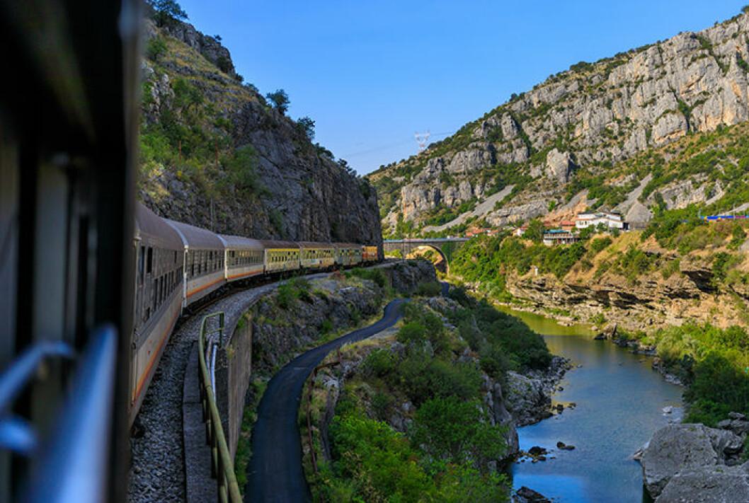 Våga ta tåget nästa semester!