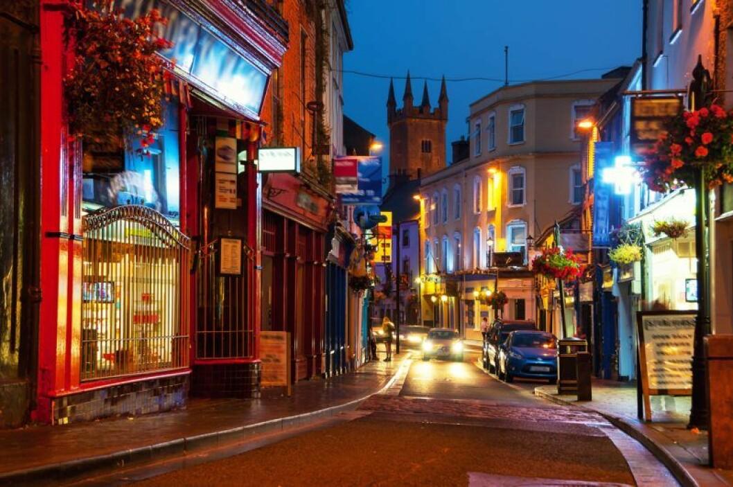 Mysig irländsk gata