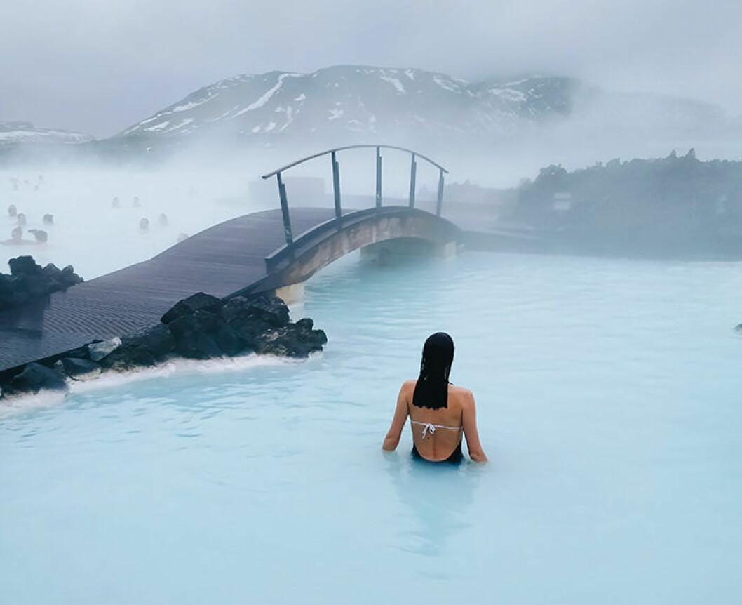 Den varma källan Blue Lagoon på Island lockar många resenärer!