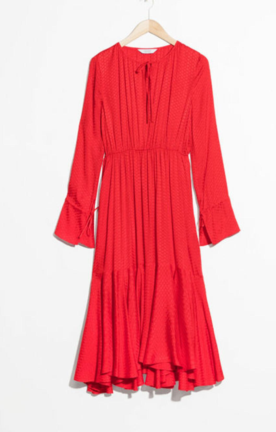 Röd klänning från stories