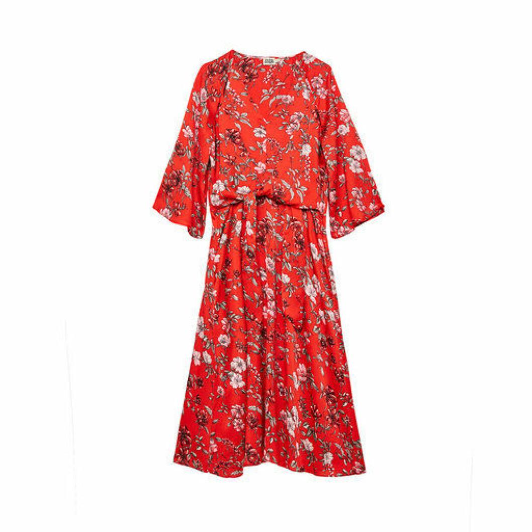 Mönstrad röd klänning från Twist & Tango.