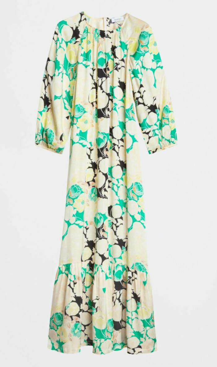 Lång klänning i beige och grönt mönster Rodebjer