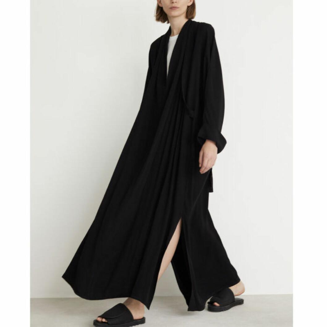 Svart klänning med slits från Rodebjer
