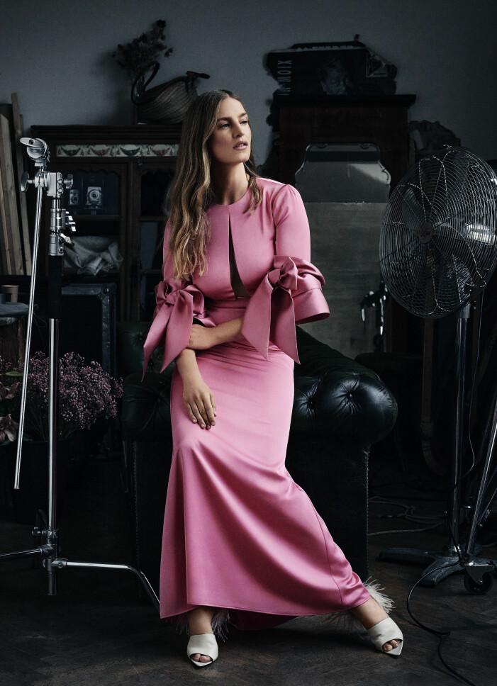 Rosa klänning från Lars Wallins prèt-a-porter kollektion