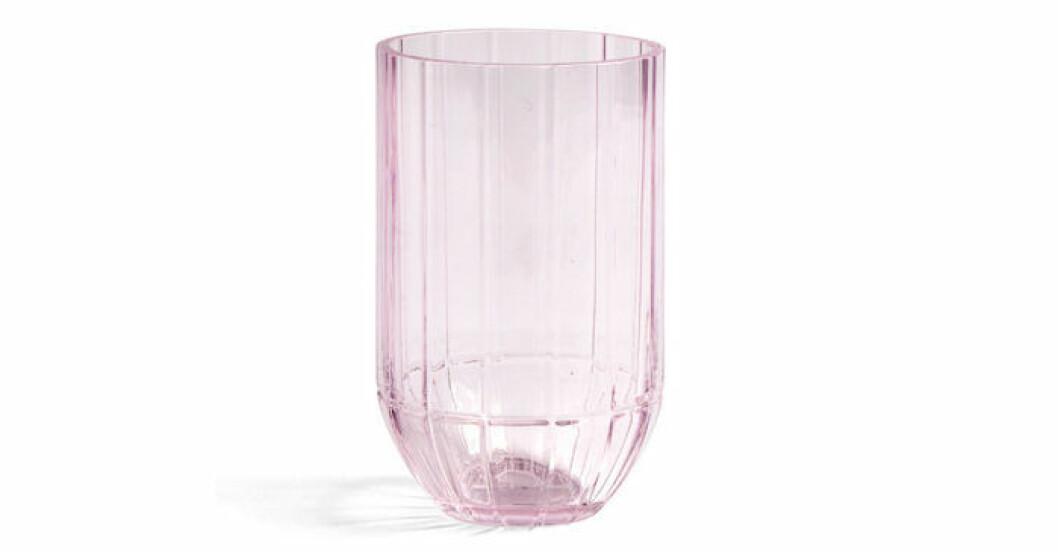 trendig rosa vas i glas från Hay
