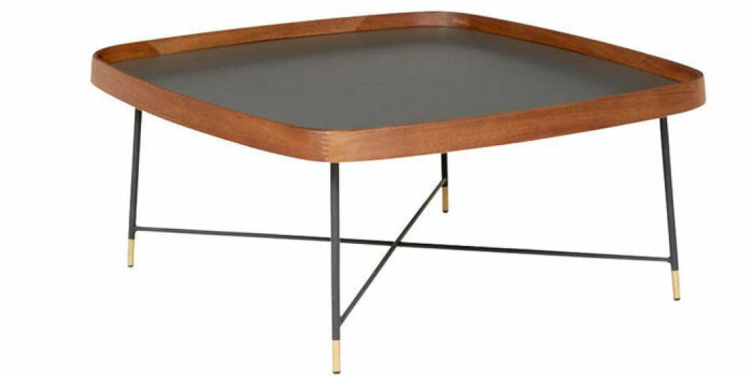 Fyrkantigt bord med runda kanter