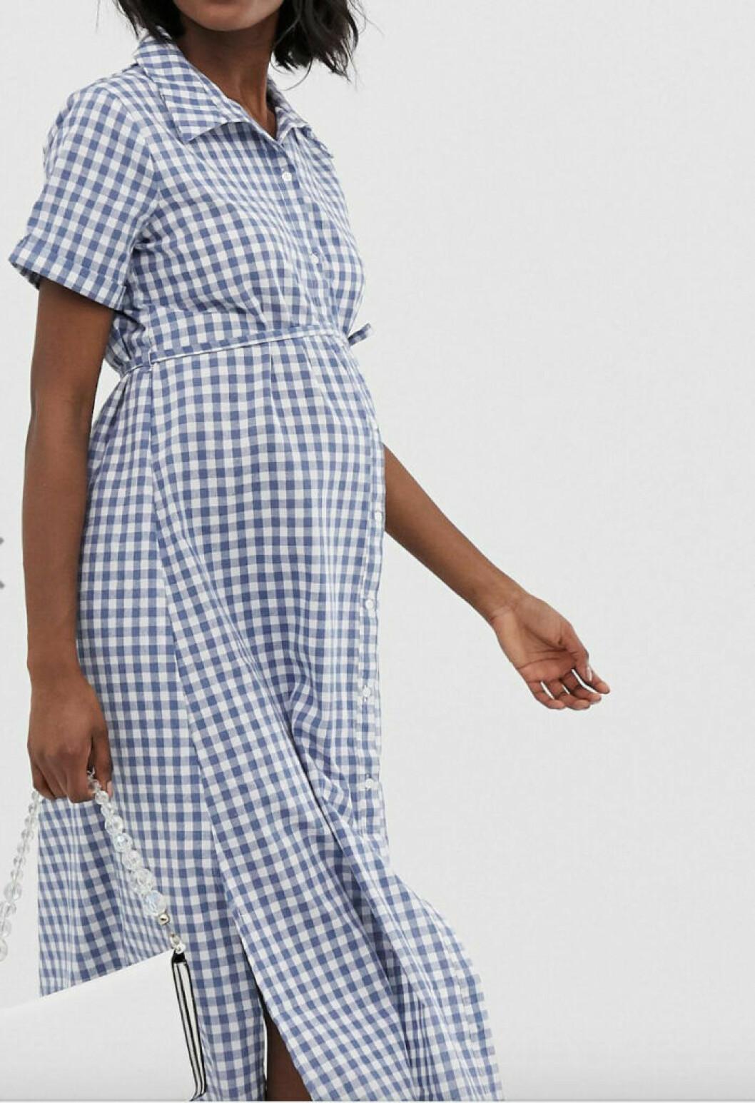 Rutig gravidklänning