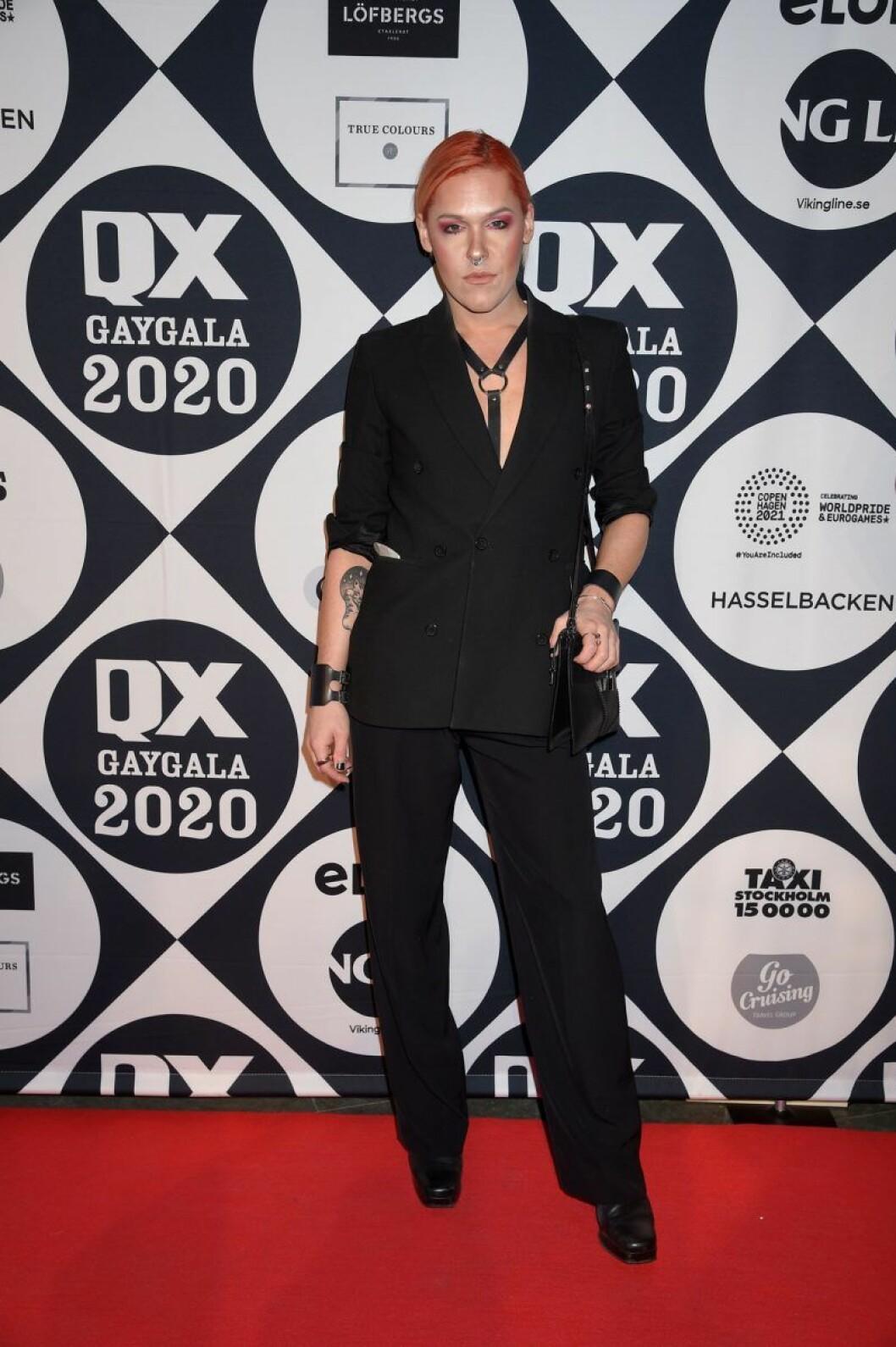 Saga Becker på röda mattan på QX-galan 2020