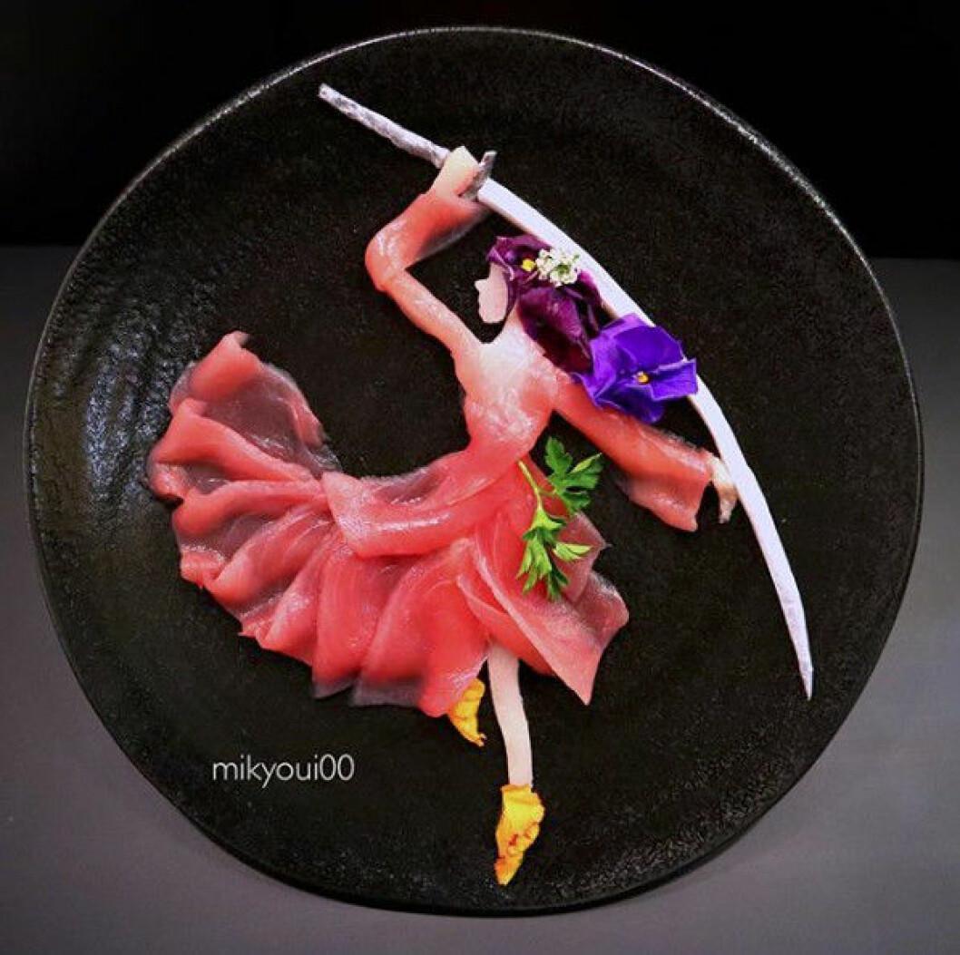 Sashimikonst i form av en krigarflicka.