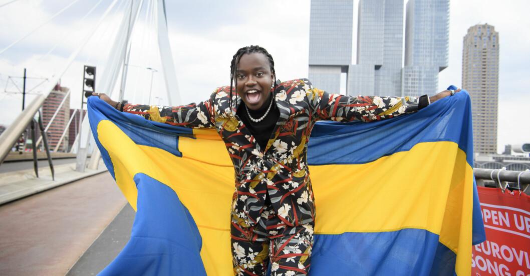 Tusse i Rotterdam med svensk flagga.