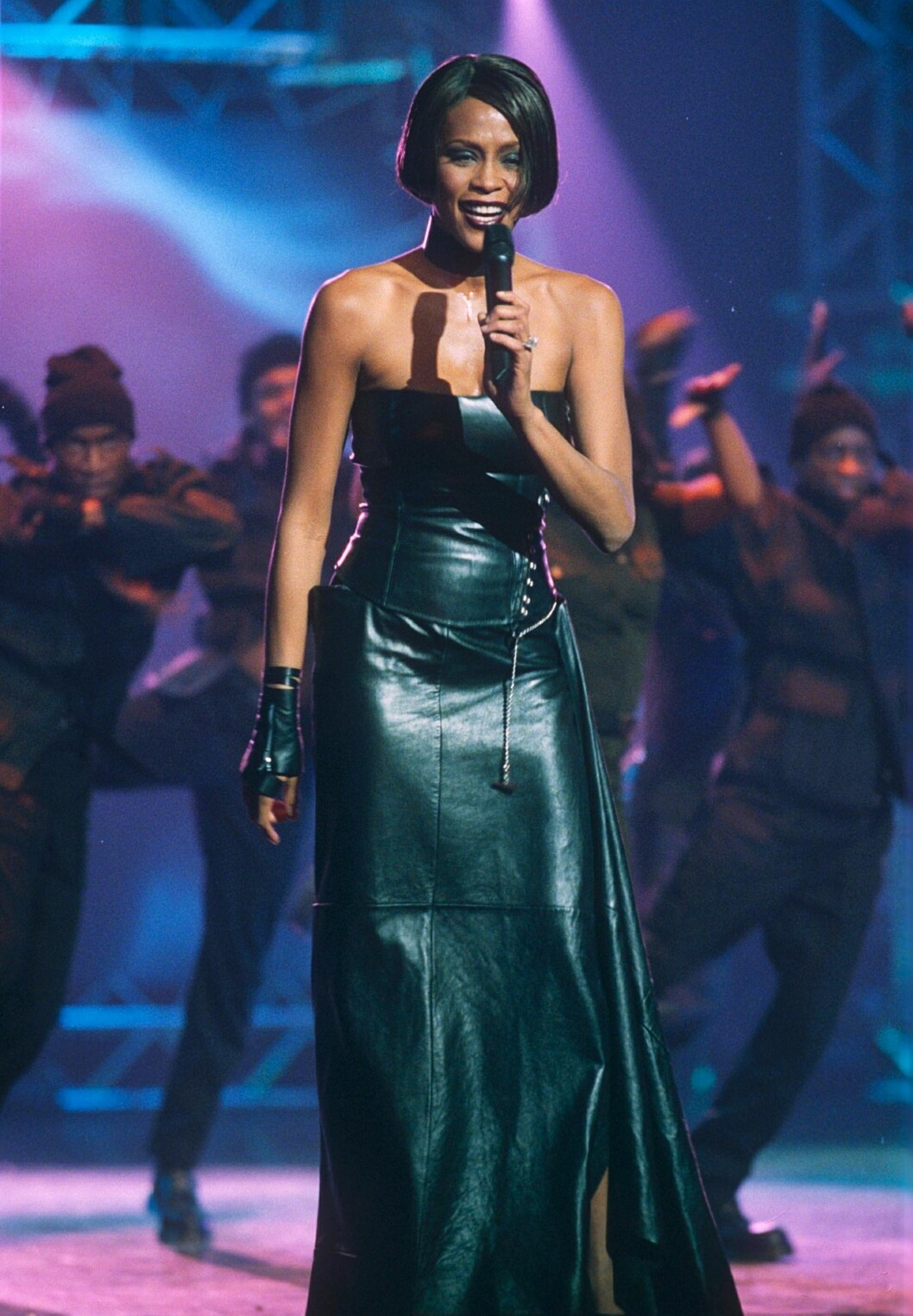 Whitney Houston i läderkläder