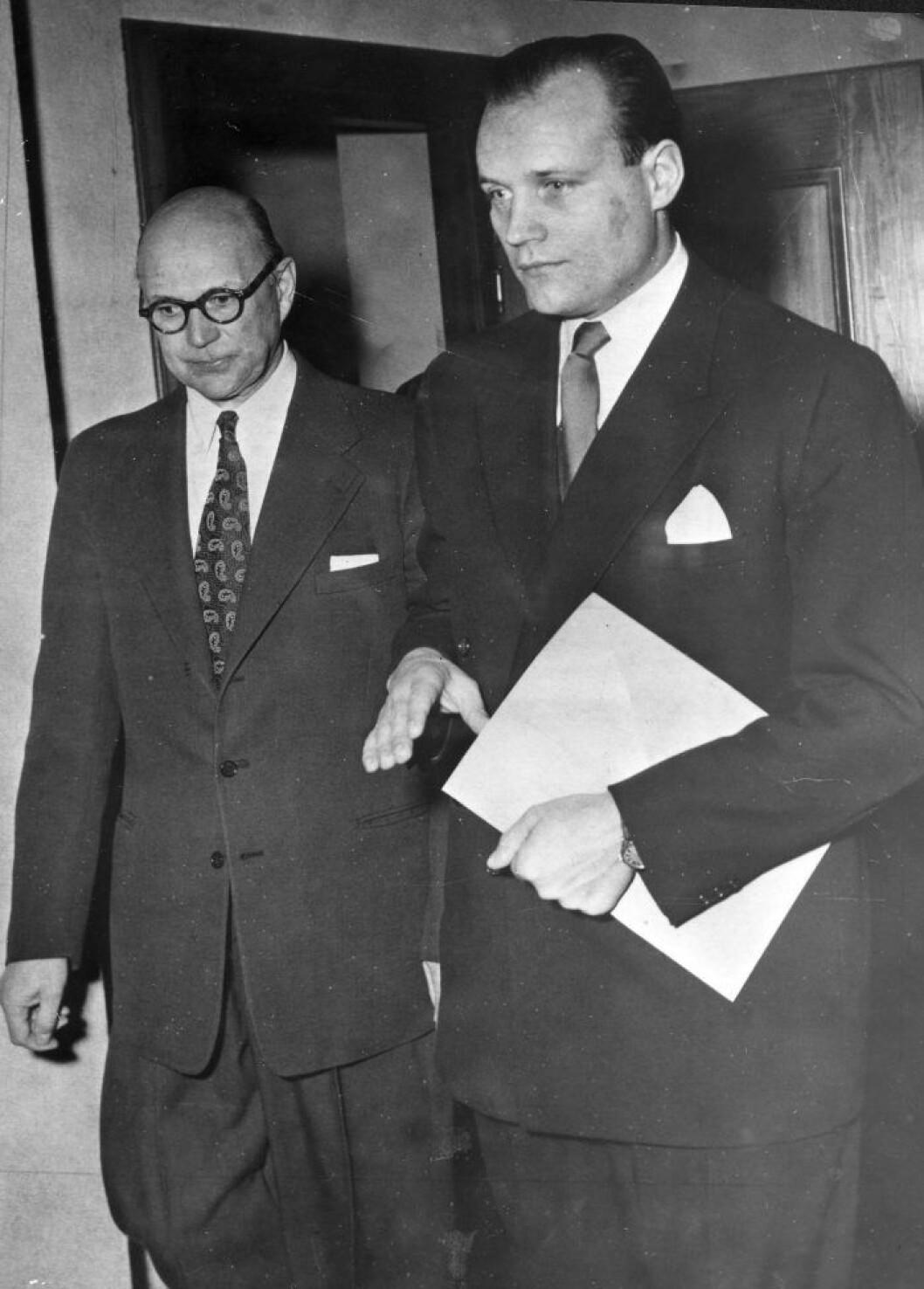 Kurt Haijby till vänster, fotograferad 1952.
