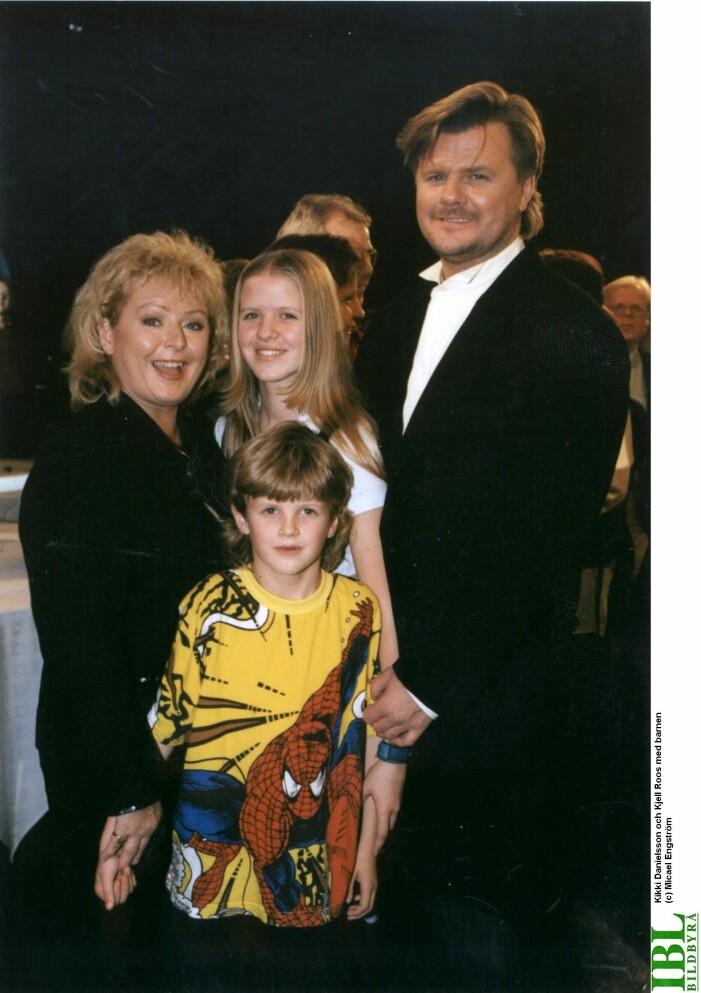Kikki Danielsson med Kjell Roos och barnen på 90-talet.