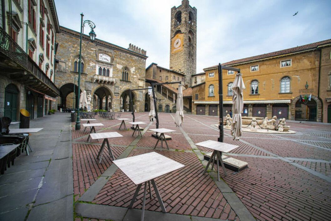 Enslig uteservering i Bergamo, Italien.
