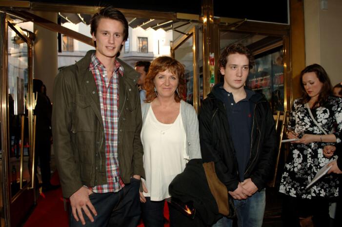 Malou med sönerna 2008.