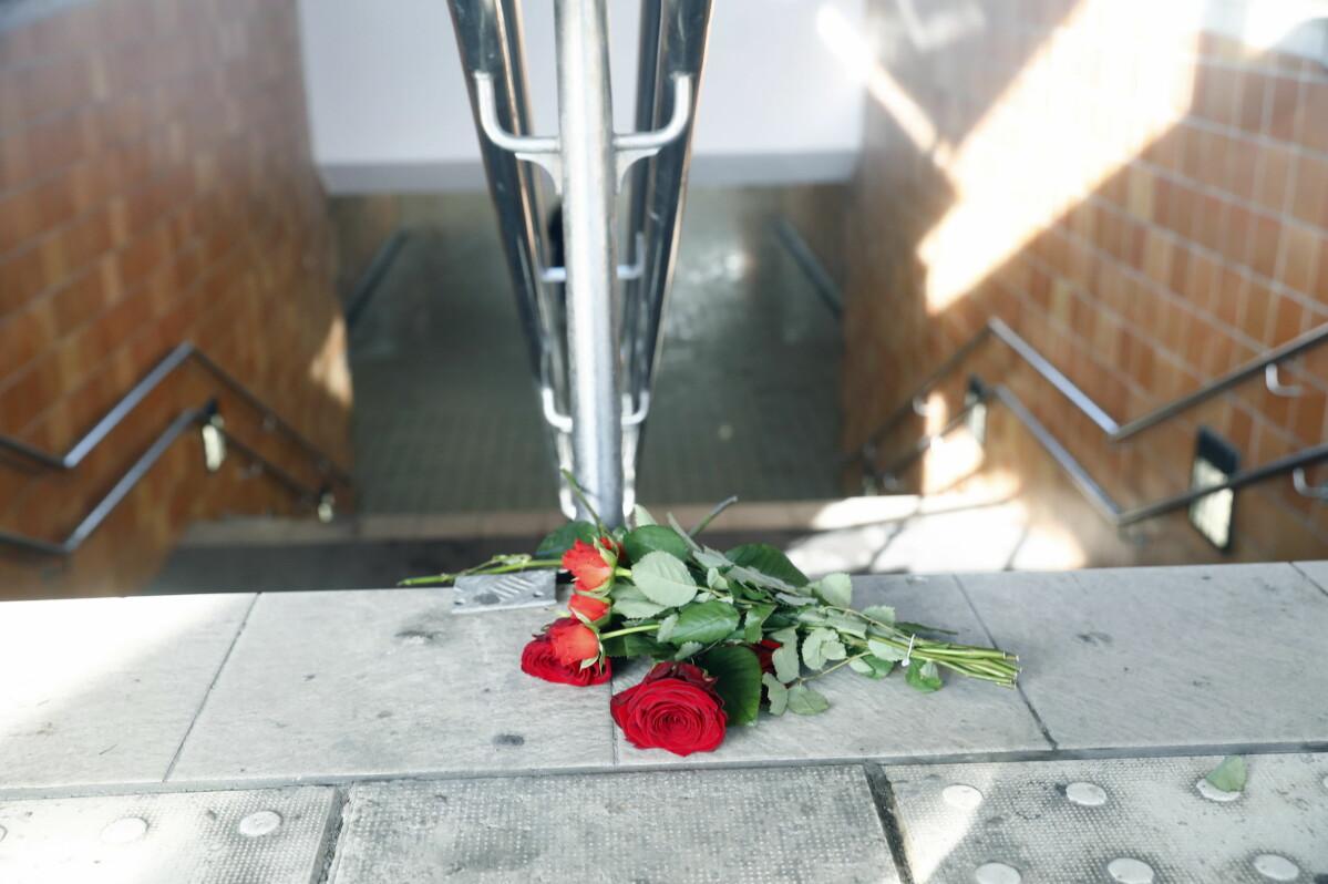 En mamma till nio barn mördades på tågstationen i Linköping.