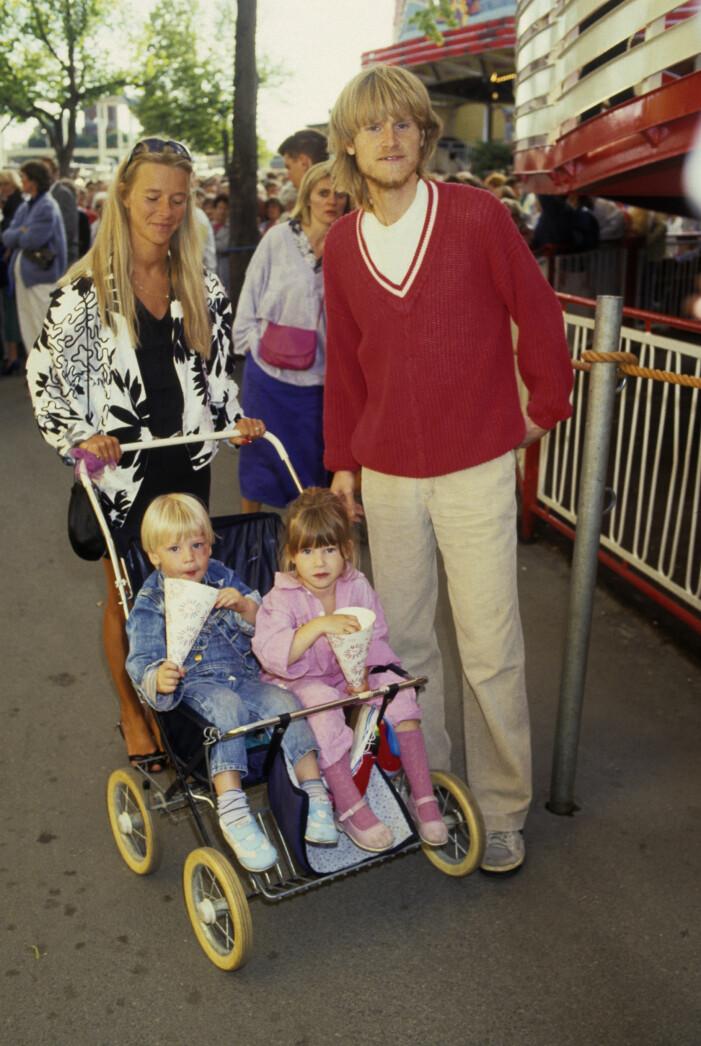 Ted Gärdestad med sina barn och Ann Zacharias.