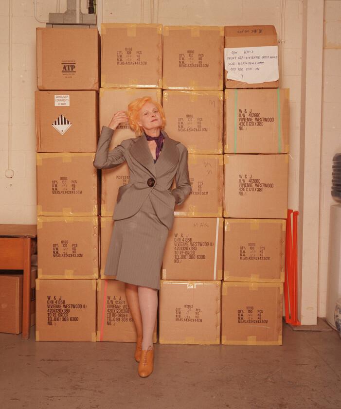 Vivienne Westwood i en välskräddad dräkt