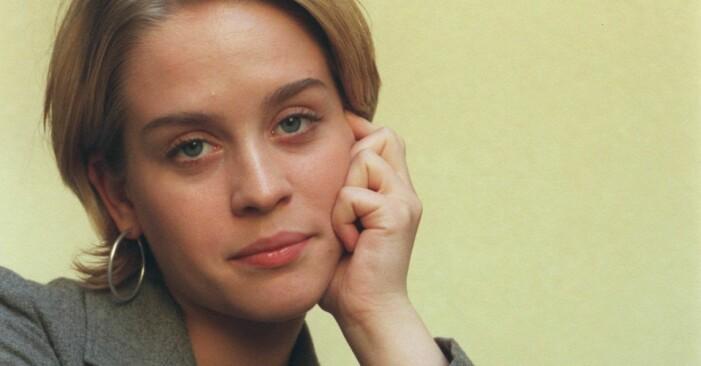 Skådespelerskan och sångerskan Cajsa-Lisa Ejemyr från serien Skilda världar.