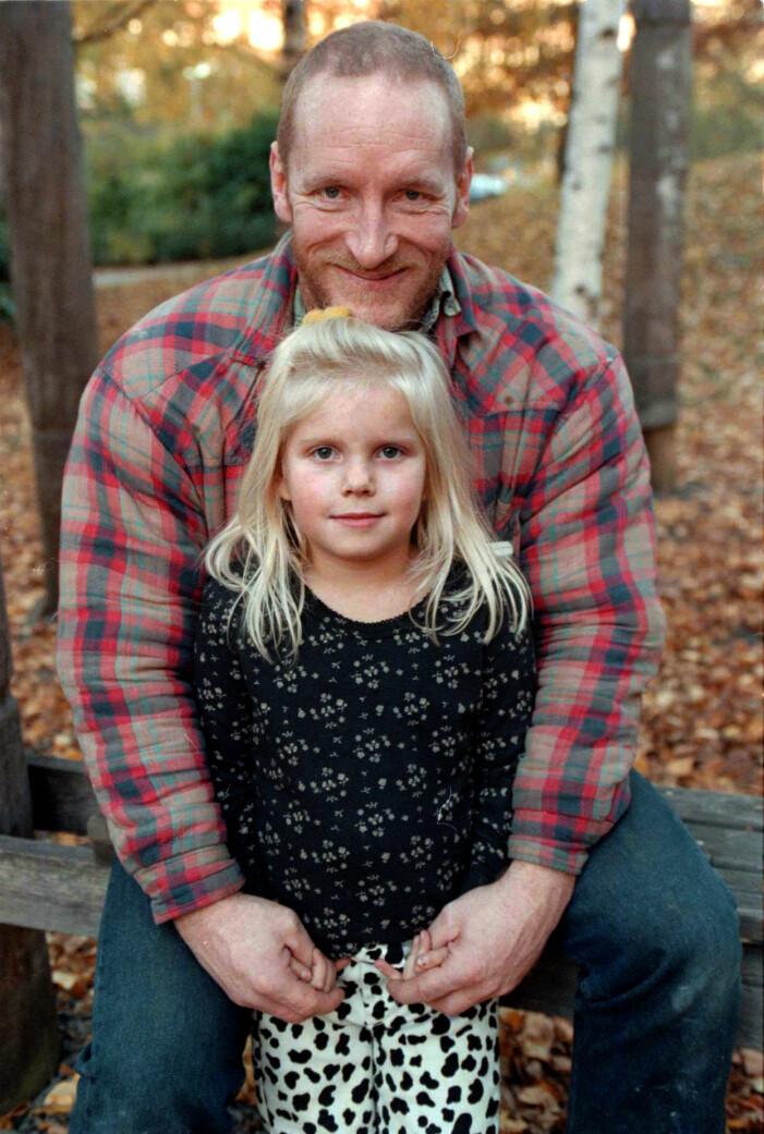 Lennart Hoa-Hoa Dahlgren med sin dotter.