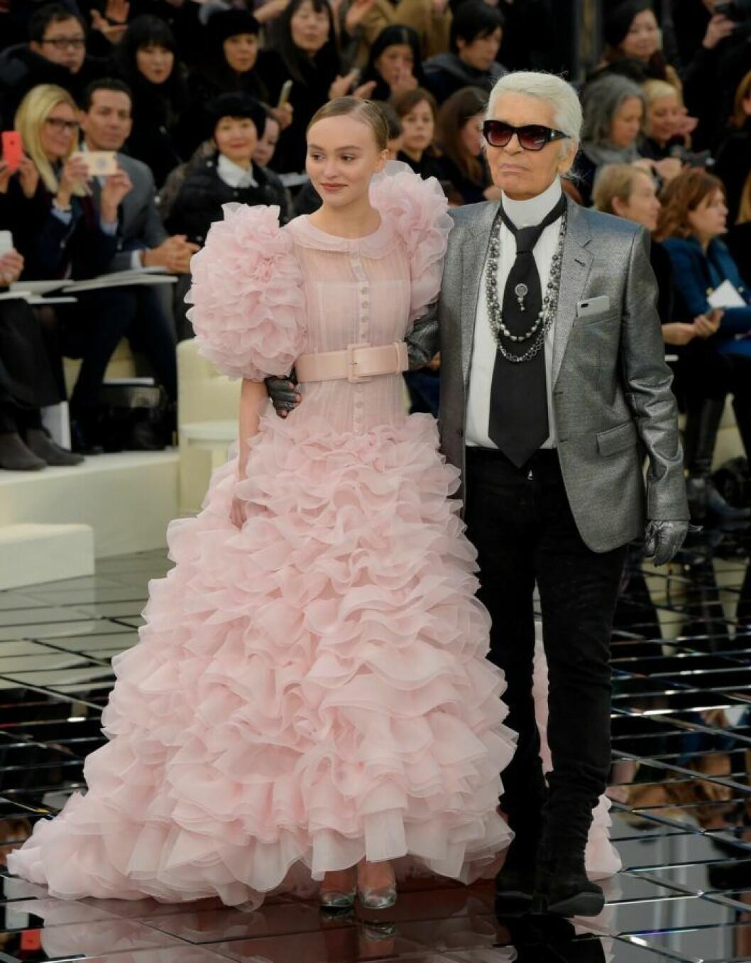 Lily-Rose Depp och Karl Lagerfeld.
