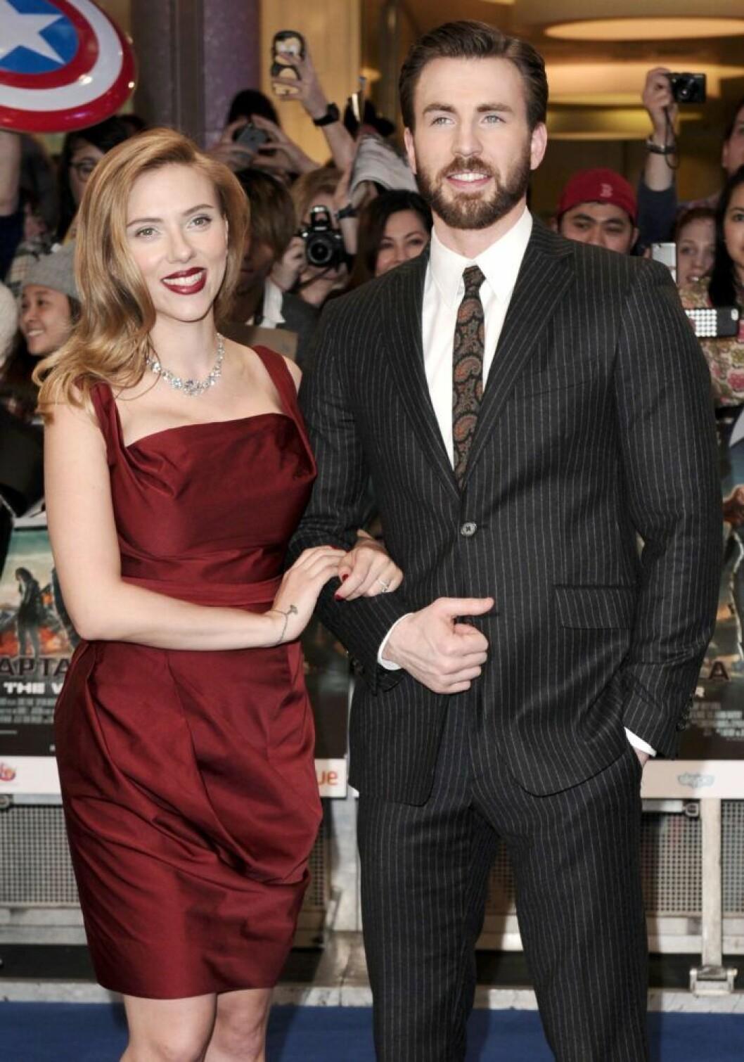 Scarlett Johansson och Chris Evans har känt varandra i över tio år.
