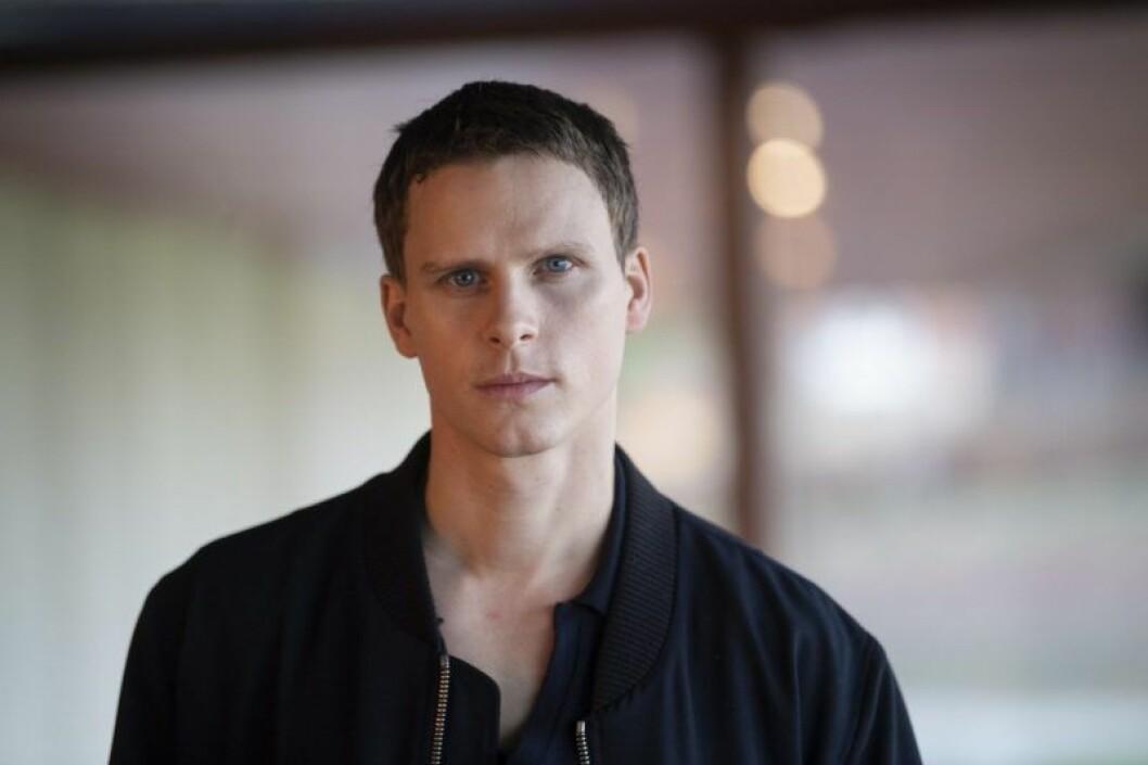 Adam Pålsson spelar Kurt Wallander.